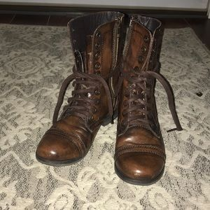 Steve Madden Troopa boots- 5.5